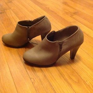 Sugary 3 inch heel ankle boots